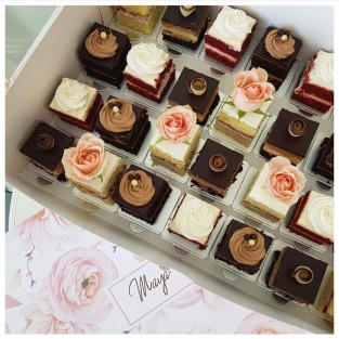 The Peony Collection: Mini Cakes